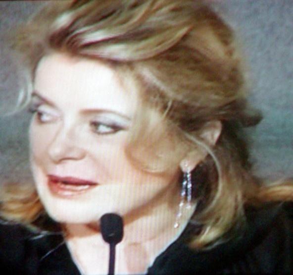 """Catherine Deneuve, une des voix de """"Persepolis"""" comme sa fille Chiara Mastroniani"""