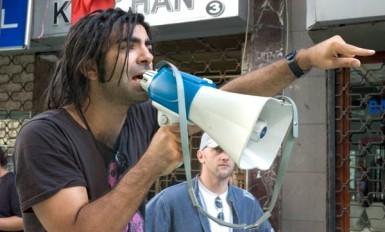 le réalisateur Fatih Haki sur le tournage du film