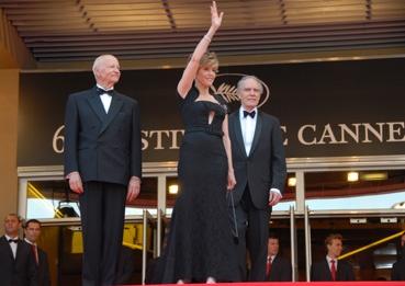 Jane Fonda sur les marches (photo L'Oréal Cannes)