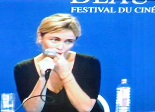 """Emmanuelle Béart à la conférence de presse de """"Un Crime"""""""