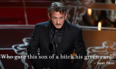 Sean Penn remet l'Oscar du meilleur film à Alejandro González Iñárritu