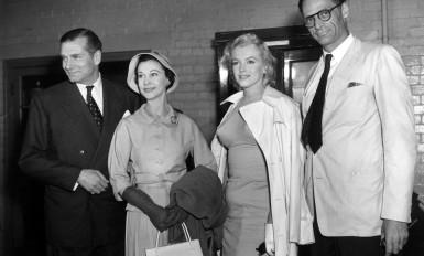 """Laurence Olivier, Vivien Leigh, Marylin Monroe, Arthur Miller (""""Le Prince et la danseuse"""" (1957)"""