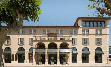 L'Hôtel de Paris, désormais aussi célèbre que Saint-Tropez, fur construit en 1928...