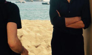 Louis Garrel pose plage Nespresso (2015)